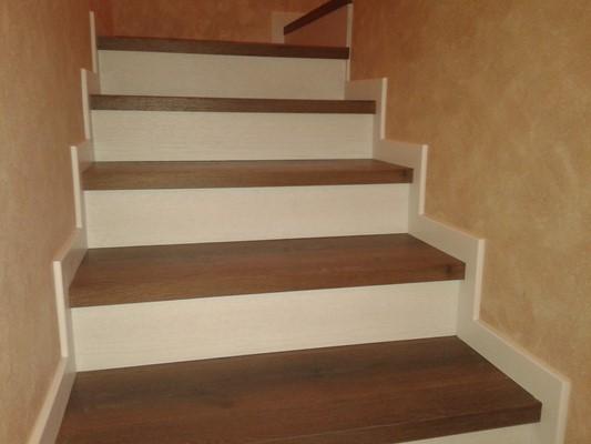 Forrado de escalera for Ideas para forrar escaleras